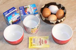 ingrediente pentru creme brulee sau crema de zahar ars frantuzeasca, retete cu oua zahar si smantana lichida, ca ingrediente ne trebuie pentru crema de zahar ars,