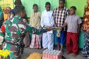 Kunjungi Pondok Pesantren Al-Istiqomah, Satgas TNI Memberikan Bantuan Sembako dan Kain Sarung