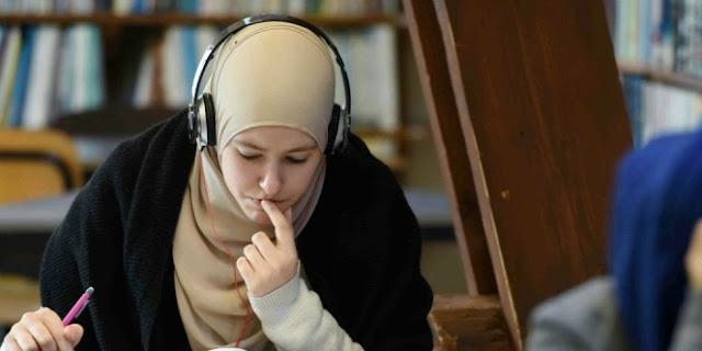 Keterlaluan! Remaja Muallaf Ini Dilarang Sekolah Hanya Karena Memakai Rok Panjang