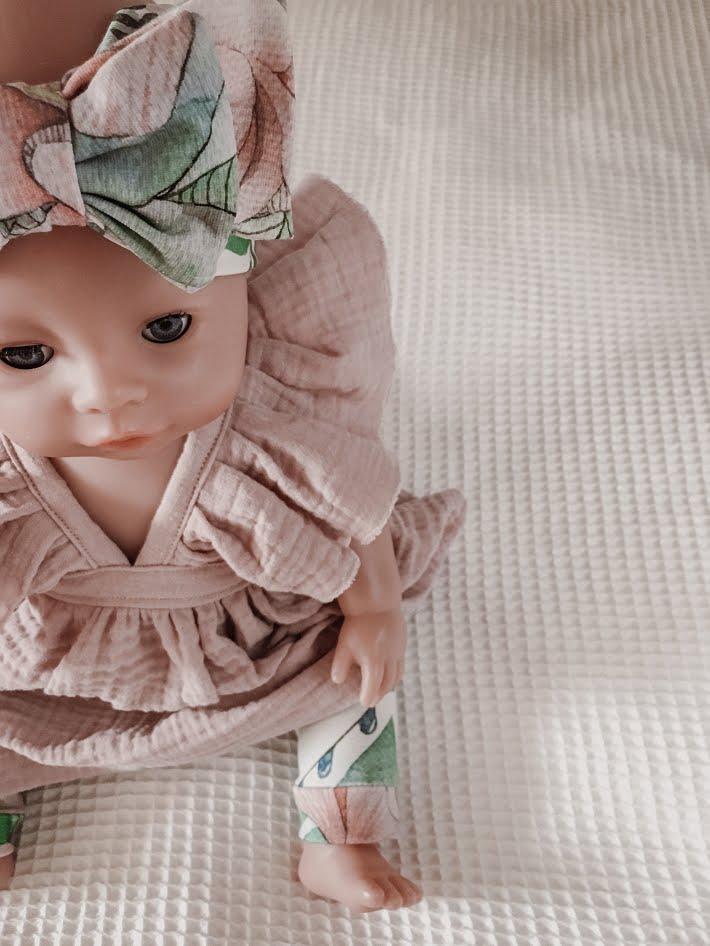 vauvanukke, ompelu, legginsit, housut, rusettipanta, aanukaste, diy