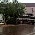 Caminhão desce sozinho no centro de Cantagalo