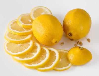 Lemon obat batuk alami