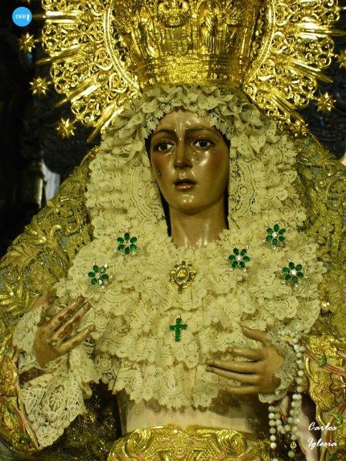 La Virgen de la Esperanza Macarena con el manto celeste de Carrasquilla