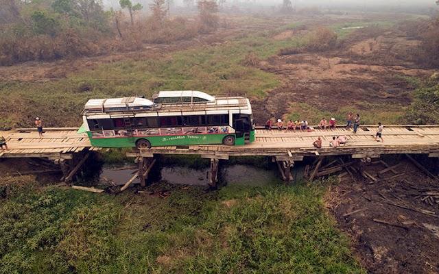 Τραγωδία στη Βραζιλία: Λεωφορείο έπεσε από οδογέφυρα – 10 νεκροί από το δυστύχημα