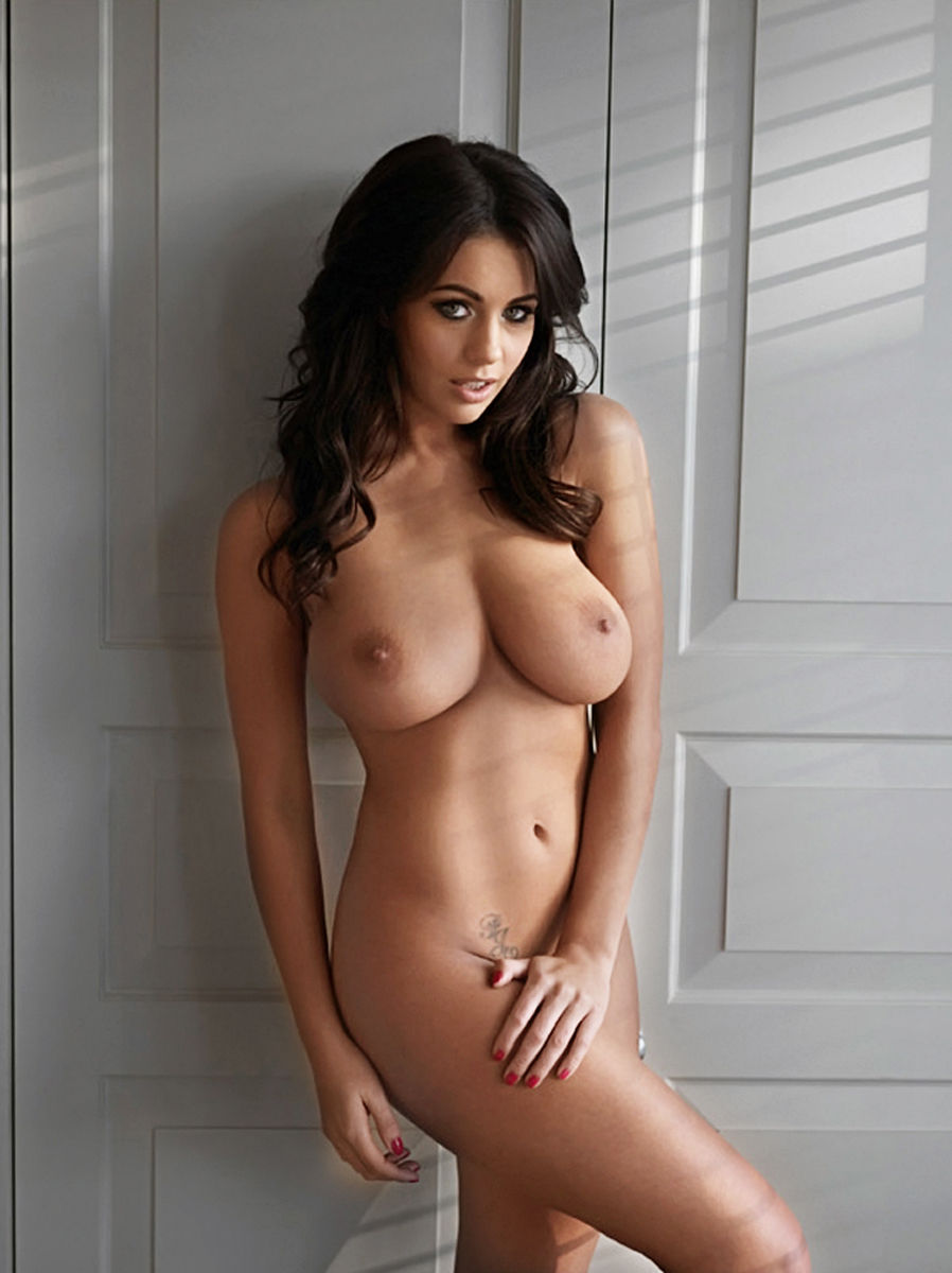 holly peers hot