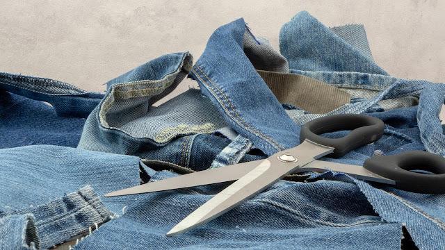 Mulai Terapkan Zero Waste Clothing Pada Lemari Pakaian Sendiri