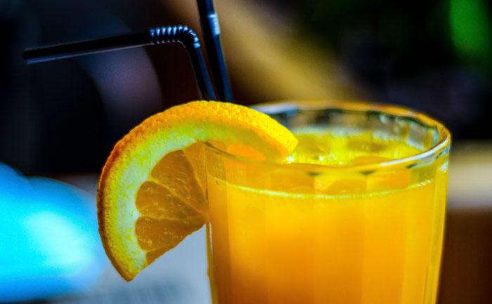 カラオケドリンクバーで水以外飲むとどうなるの?:オレンジジュース