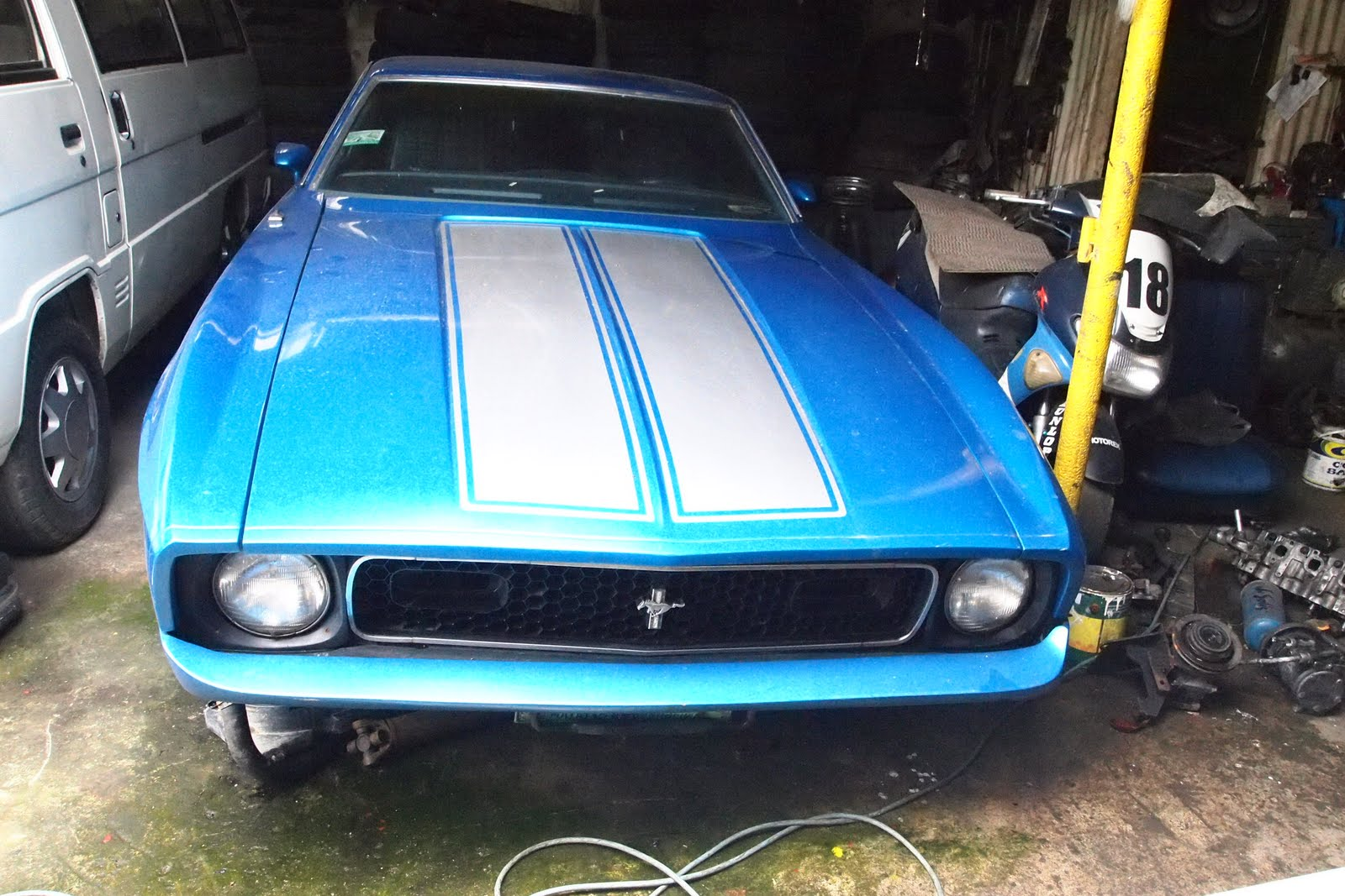 parked cars manila 1972 ford mustang mach 2. Black Bedroom Furniture Sets. Home Design Ideas