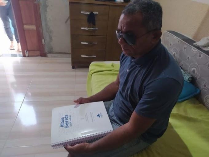 ARACI: Com deficiência visual há mais de 30 anos, homem estuda e se forma em mais de 3 cursos técnicos