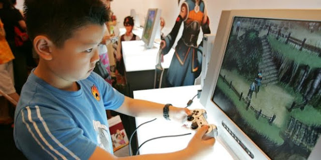 WASPADA : Inilah 4 Bahaya Bermain Video Game Pada Anak