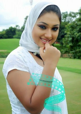 Bangladeshi Actress Apu Biswas Hot Photo