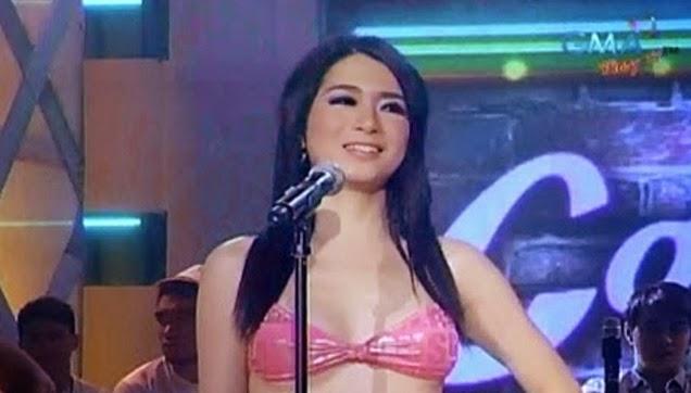 Candidate #1: Daisy Reyes ang mukha, Efren Bata Reyes ang baba.