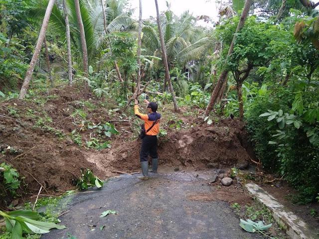 Hujan Dua Hari, 5 Kecamatan Terkena Bajir dan Longsor