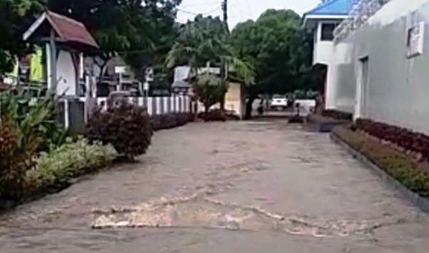 Diguyur Hujan Sehari Bulukumba Mulai Banjir