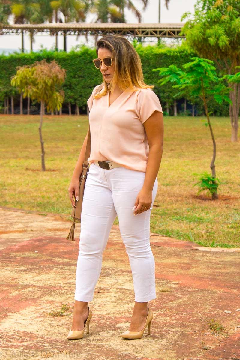 Look do dia:  tons claros com blusa rosê e calça branca