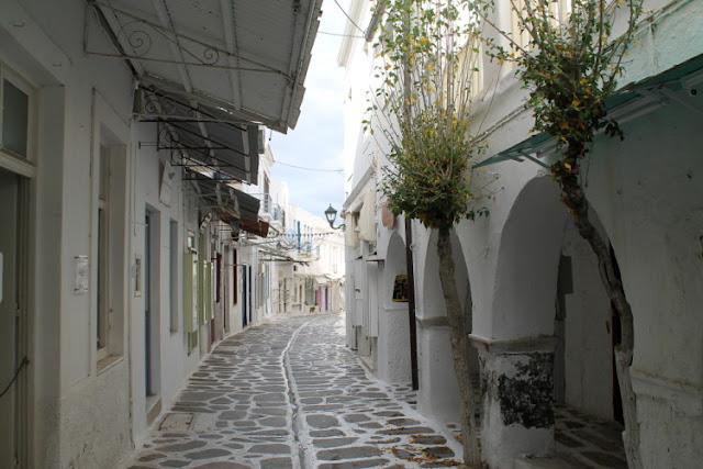 Passeio pelas ruas de Parikia, Paros