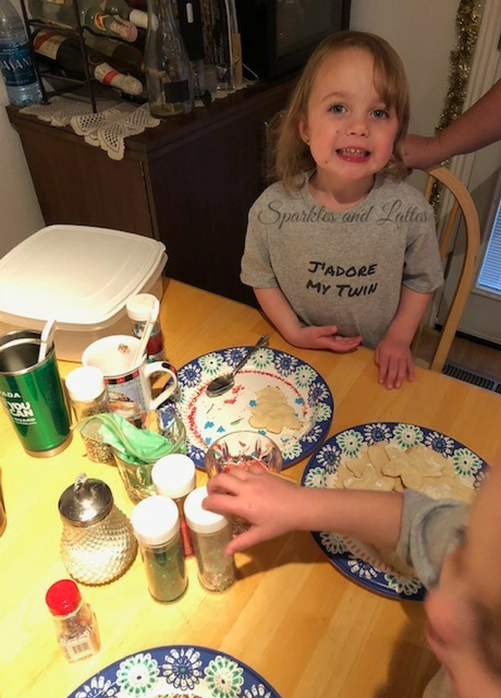 toddler cookie decorating