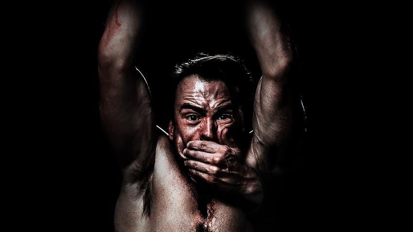 Вышел трейлер хоррора Bloody Hell о противостоянии убийцы и семейки маньяков
