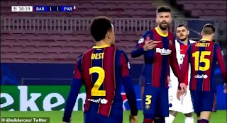 Mic expose Gerard Pique and Antoine Griezmann heated conversation during Barcelona's loss to PSG