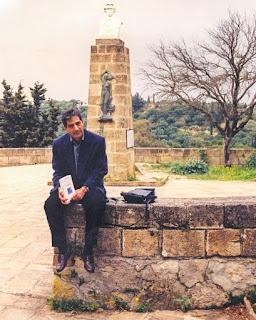Ο δάσκαλος Δημήτρης Λιαντίνης στη Ζάκυνθο, Λόφος Στράνη, μπροστά στην προτομή του εθνικού ποιητή Διονυσίου Σολωμού