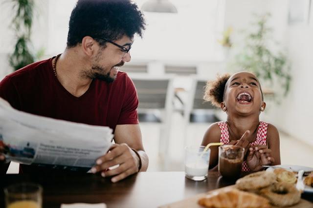 10 عادات يومية تعني كل شيء لطفلك