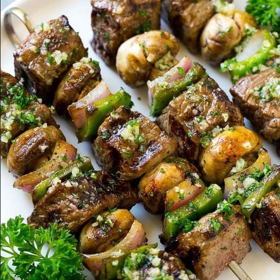 STEAK KABOBS WITH GARLIC BUTTER #dinner #skewers