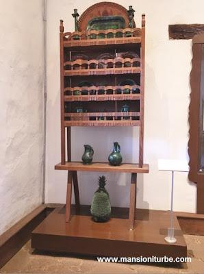 Piña de Barro  en el Museo de Artes e Industrias Populares de Pátzcuaro