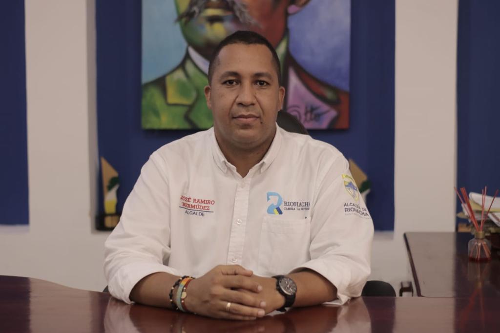 """hoyennoticia.com, """"En la alcaldía de Riohacha funcionarios inmunizados deben regresan a la presencialidad"""""""