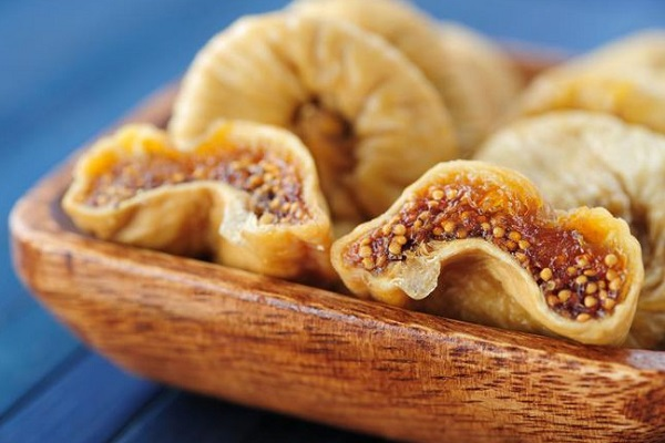 What are the benefits of dried figs?