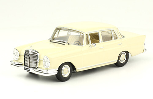 grandes autos memorables Mercedes-Benz 220