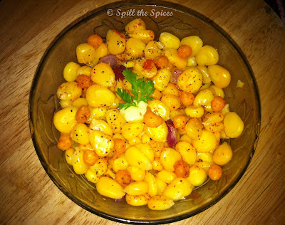 Image source: http://spillthespices.blogspot.ca/2012/02/sweet-corn-butter-chaat.html