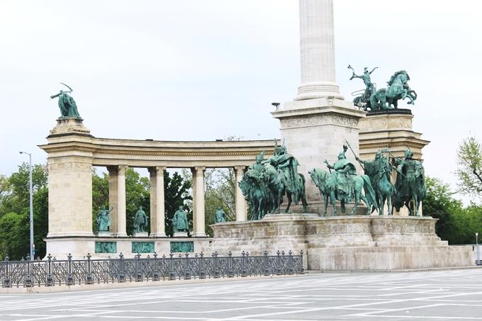 Budapest 2 day sightseeing tour, Heroes' square.Budimpesta dva dana aranzman.