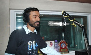 Lady director wants Dhanush to sing in her movie