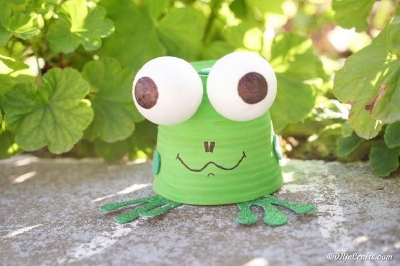 flower pot frog craft