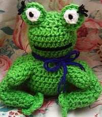 http://www.ravelry.com/patterns/library/froggy-lady