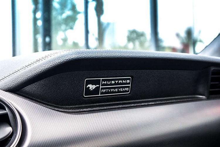 Cận cảnh Ford Mustang 2020 đặc biệt, hơn 2,3 tỷ ở Hà thành