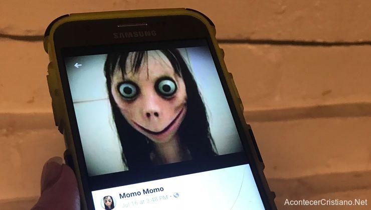 Momo aparece en video Youtube