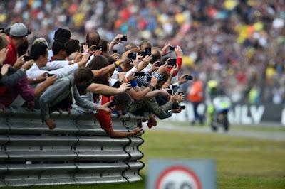 2016 Nanti Assen Tidak Lagi Menggelar MotoGP di Hari Sabtu?