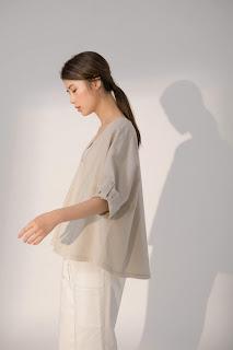 日光戀人V領罩衫上衣