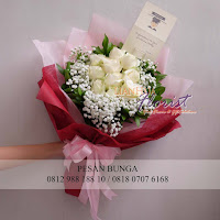 bunga valentine, buket bunga dan cokelat, handbouquet ferrero rocher, toko bunga valentine, bunga rose putih, florist jakarta barat