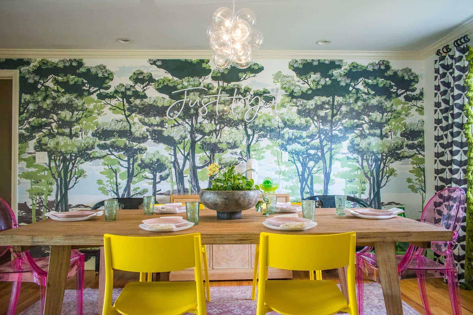 como decorar un salon comedor con mucho color