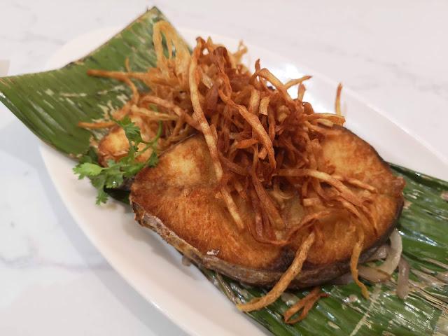Deep-fried Mackerel with Turmeric