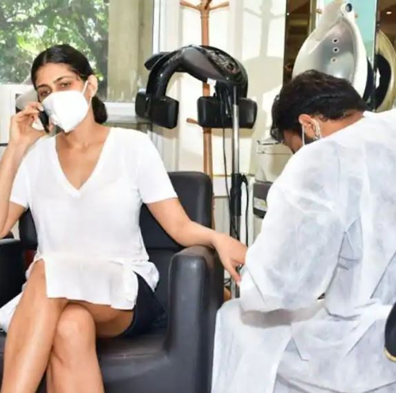 kubbra-sait-heads-towards-salon-amid-coronavirus