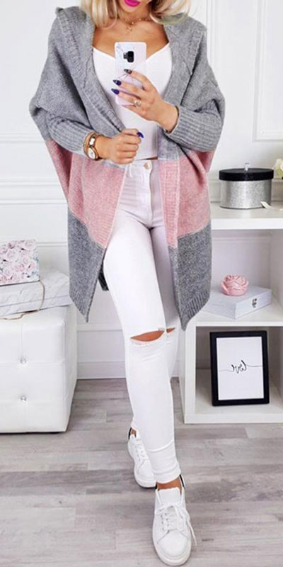 Winter is a great time to step up your personal style. See these 24 Trendy Winter Fashion Ideas for Not So Cold Days. Winter Outfit Ideas for Women via higiggle.com | white jeans outfits with cardigan | #winter #fashion #cardigan #jeans