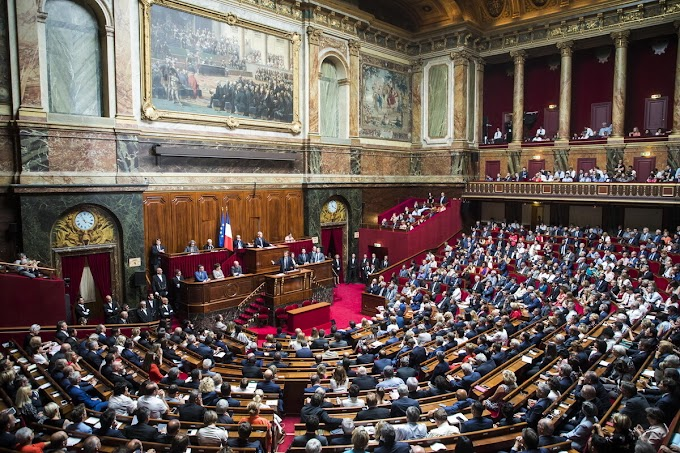 """ΣΟΚ ΣΤΗΝ Ε.Ε.! Η Γαλλική Εθνοσυνέλευση απέρριψε την πρόταση νόμου για """"Υγειονομικό Διαβατήριο""""..."""