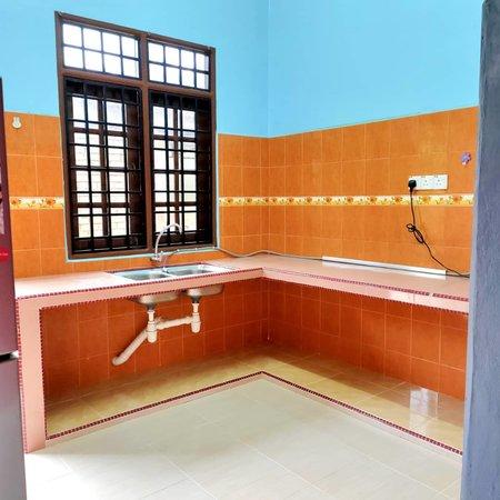 Idea Kabinet Dapur untuk Ruang Kecil