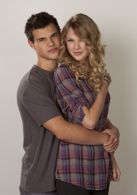 Hollywood All Stars: Taylor Lautner with Girlfriend Pics
