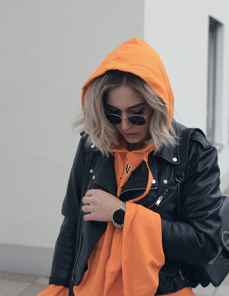 Outfit-ootd-Style-Streetstyle-Asos-Dr. Martens-Sassyclassy-Modeblog-Fashionblog-Lifestyleblog-Munich-Muenchen-Lauralamode-Fashion-Blogger-Lauralamode