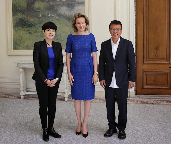 Queen Mathilde of Belgium welcomed two well-known contemporary artists from China, Mr. Liu Xiaodong and Ms. Yu Hong