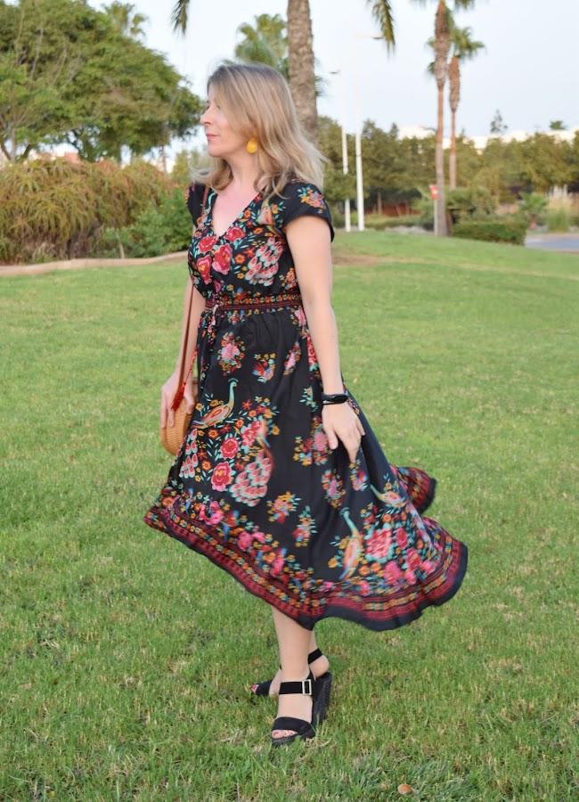 Vestido_flores_sobre_negro